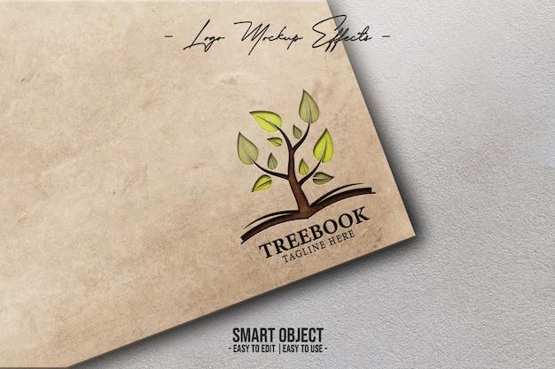 Primo piano sul mockup del logo con coverbook