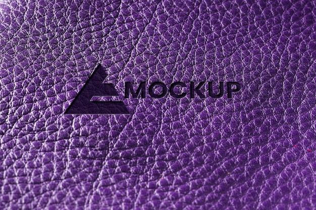 Primo piano del mock-up in pelle viola