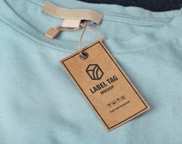 Primo piano sul mockup di tag etichetta camicia