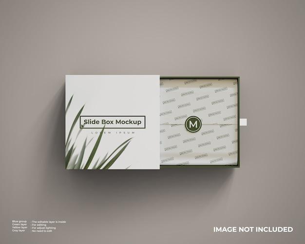 Chiuda in su mockup di scatola diapositiva isolato