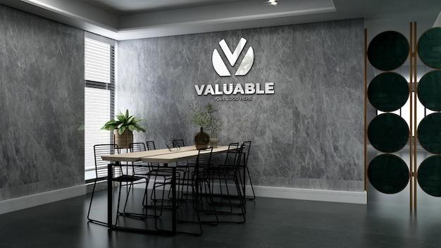 Mockup del logo aziendale nella sala riunioni dell'ufficio di lusso con muro di pietra