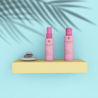 Scena realistica di mockup di bottiglia e spray cosmetico