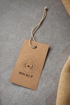 Mockup di cartellini per indumenti artigianali