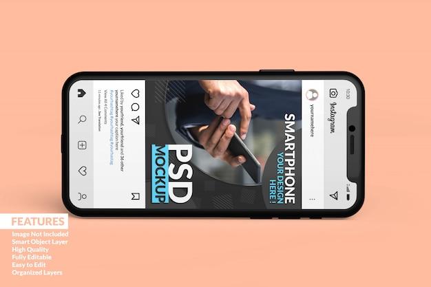 Mockup di smartphone realistico personalizzabile per visualizzare il modello di post multimediale multimediale