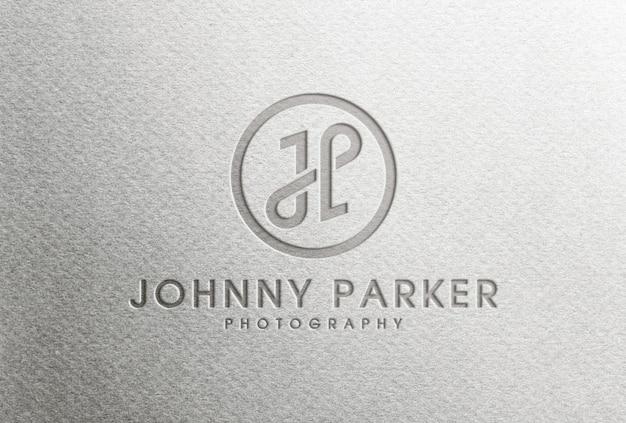 Logo impresso su carta bianca