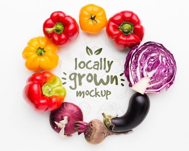 Delizioso mock-up di verdure coltivate localmente