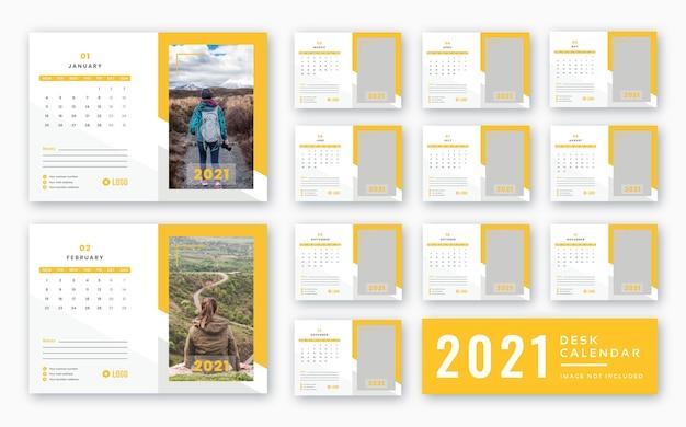 Modello pronto per la stampa del calendario da tavolo 2021