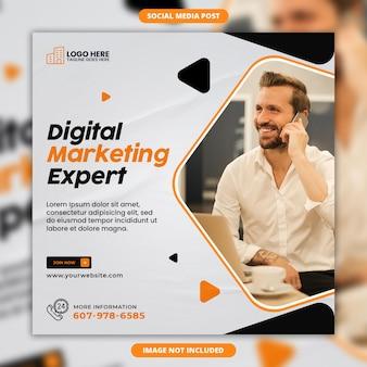 Post instagram esperto di marketing digitale o modello di banner web quadrato