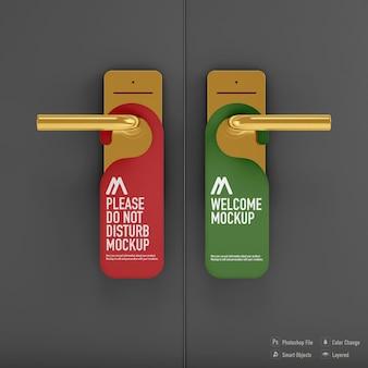 Non disturbare il mockup del gancio della porta isolato sulla porta