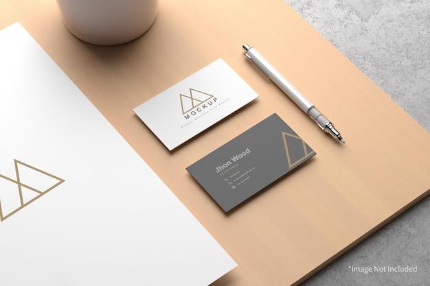 Elegante biglietto da visita con carta a4 mockup