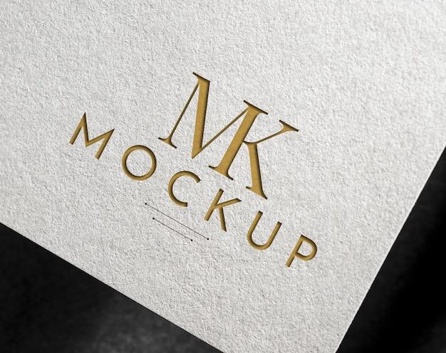 Elegante logo mockup su carta bianca