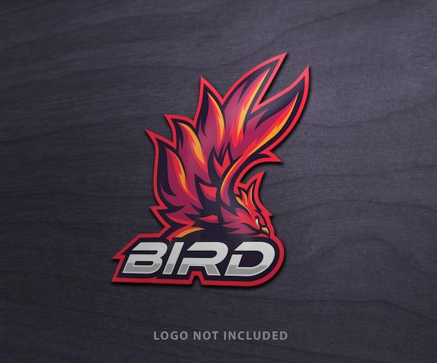Logo esport su mockup di legno