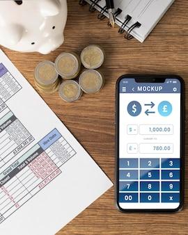 Accordo finanziario con mock-up del telefono Psd Premium