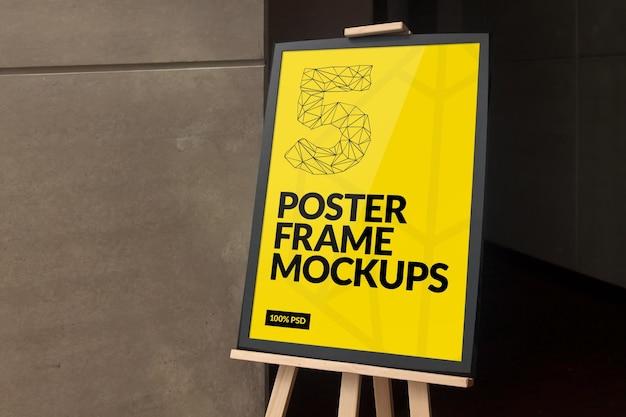 Cornice poster mock-up