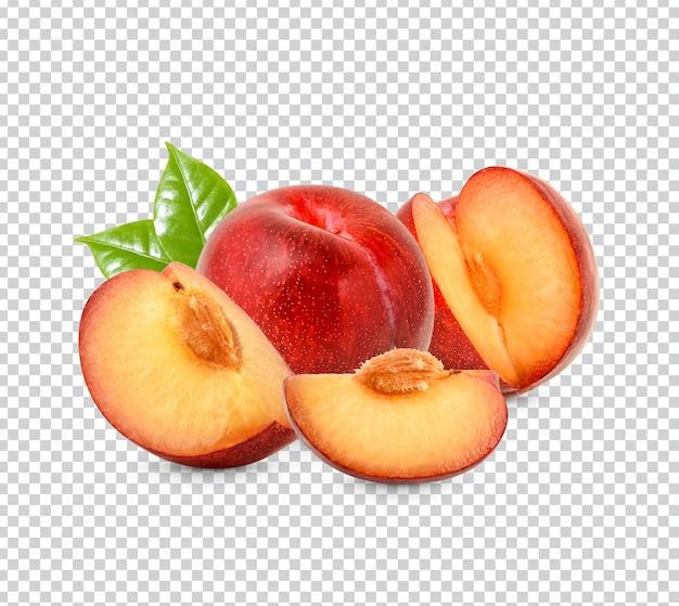 Prugna rossa fresca con foglie isolate psd premium