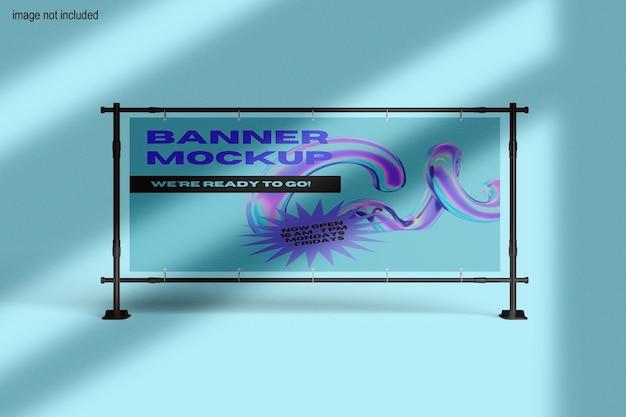 Vista frontale del banner sul mockup del telaio metallico