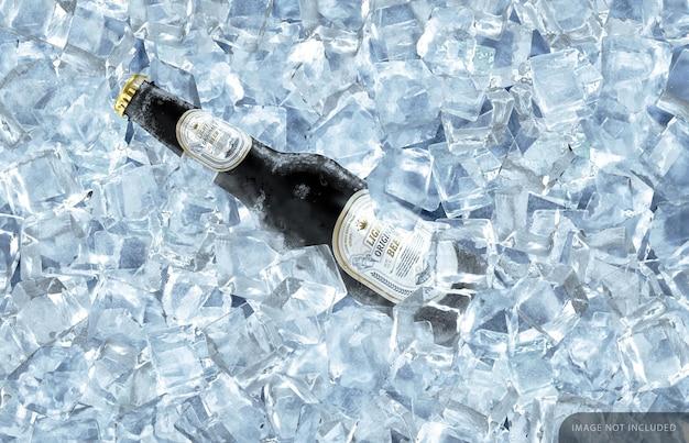 Mockup di bottiglia di birra nera congelata