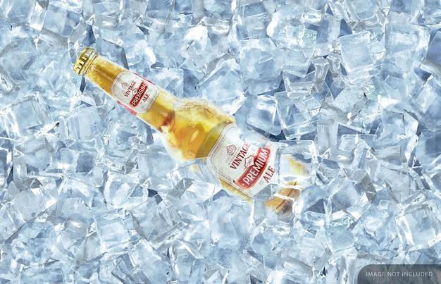 Mockup di bottiglia di birra trasparente congelata