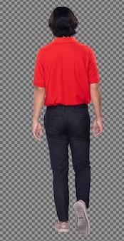 Corpo intero di 20s uomo asiatico capelli neri polo rosso pantalone scarpe da ginnastica, profilo stand. giovane maschio che cammina verso e gira a sinistra sul lato destro su sfondo bianco isolato