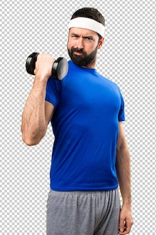 Sportsman divertente facendo sollevamento pesi