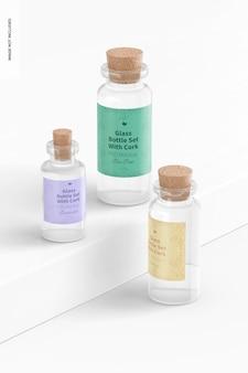 Set di bottiglie di vetro con mockup di sughero, vista da sinistra