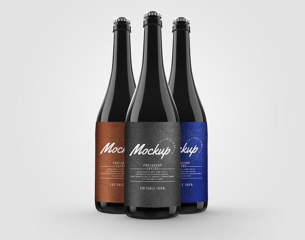 Mockup pubblicitario di bottiglia di vetro scuro