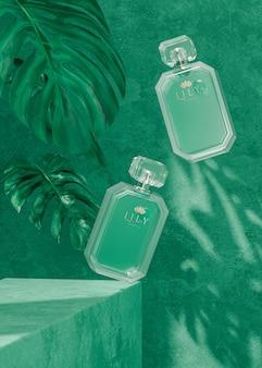 Il modello di vetro della bottiglia di profumo sul fondo verde tropicale 3d rende