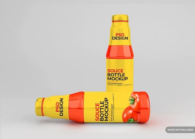 Mockup di etichetta di bottiglia di salsa di pomodoro in vetro
