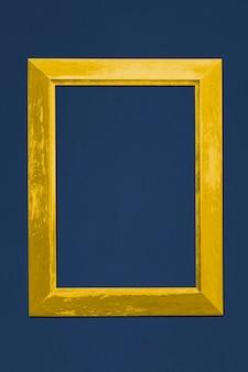 Mockup di cornice per foto in oro