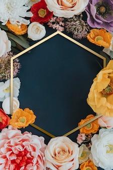 Cornice esagonale floreale colorata dorata