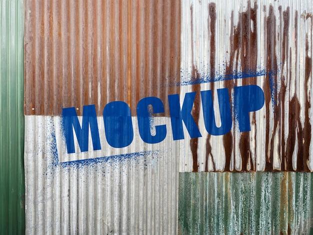 Mockup spray da parete in metallo grunge