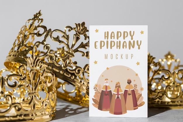 Felice concetto di epifania con mock-up
