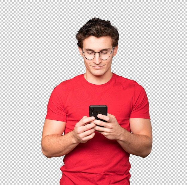 Felice giovane uomo utilizzando il suo telefono cellulare