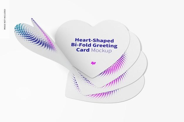 Mockup di biglietti d'auguri pieghevoli a forma di cuore Psd Premium