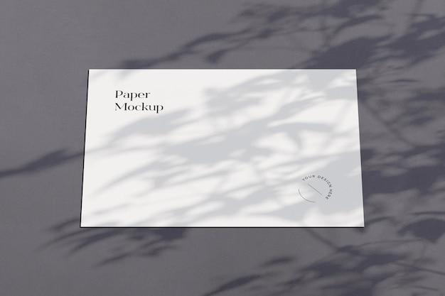 Mockup di carta orizzontale con sovrapposizione di ombre