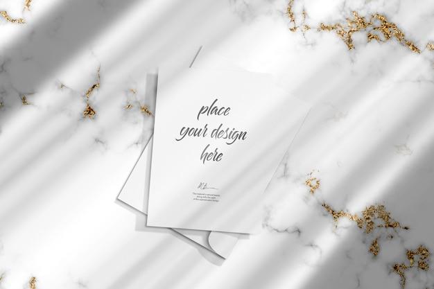 Modello di mockup di carta di invito