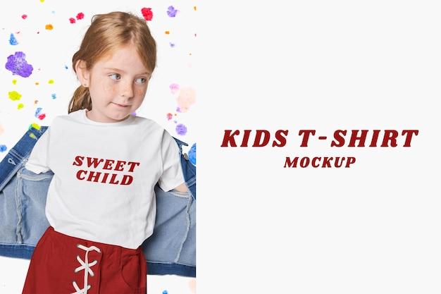 Disegno dell'illustrazione del coniglio psd mockup abbigliamento per bambini