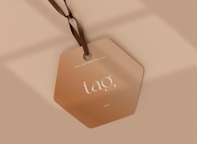 Mockup di tag etichetta con ombra. concetto di vendita