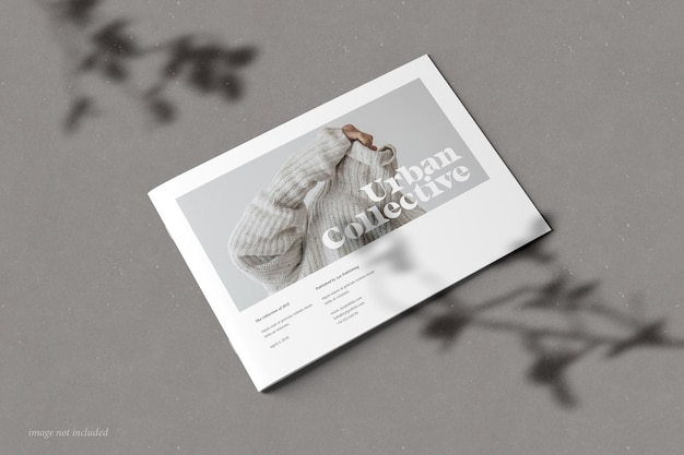 Brochure del paesaggio e vista prospettica della copertina del mockup del catalogo