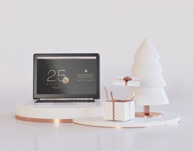 Computer portatile con mockup di design natalizio