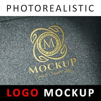 Logo mock up - logo in rilievo in oro