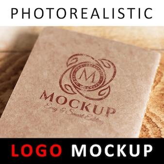 Logo mock up - logo stampato su carta kraft