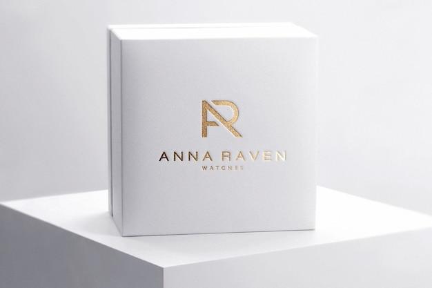 Orologio di lusso con scatola logo mockup