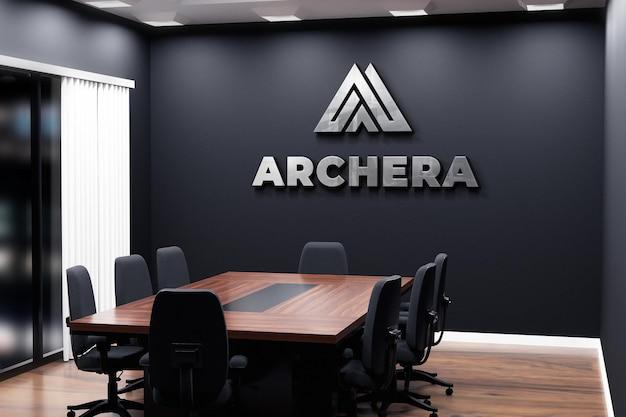 Sala riunioni con parete nera per ufficio logo mockup