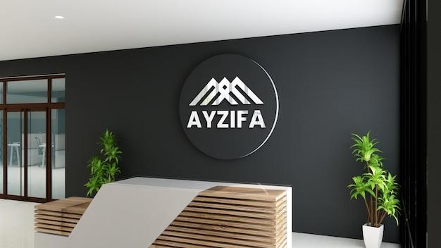 Logo mockup receptionist ufficio camera con tavolo in legno