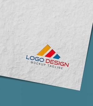 Logo mockup con carta fatta a mano