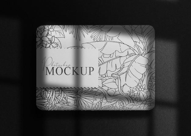 Mockup di scatola goffrata nera di lusso