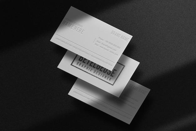 Modello di biglietto da visita in rilievo nero di lusso