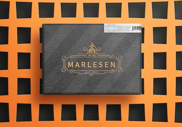 Vista ravvicinata di lusso box logo mockup design