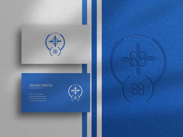 Modello di biglietto da visita di lusso con logo tipografico